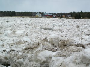 Torne River ice-berg flow