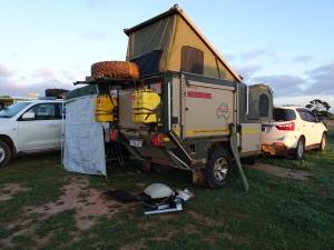 Camp trailer Cocklebiddy