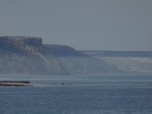 Bunda Cliffs poised to start to the East of Eucla