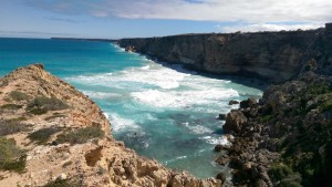 Head of (The) Bight cliffs and swells