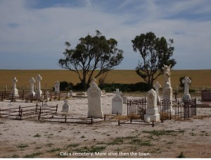 Calca's cemetary, more alive than the town