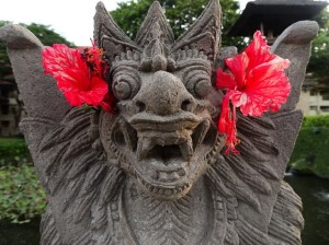 Intercontinental details: a demon with pretty flowers
