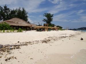 Balenta Bungalow's excellent beach-front