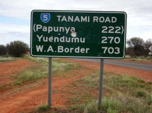 Distances are impressive. 700 km and I only get to the border. Another 200 km from there to Halls Creek