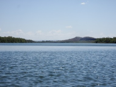 The river gets pretty wide as I approach Kununurra