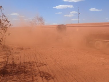 Auski dust bowl + roadtrain