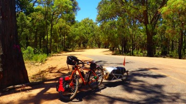 Ashendon meets the Mundaring Weir Road
