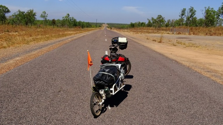 A long straight stretch heading towards Adelaide River